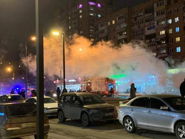 16 пассажиров эвакуировались из загоревшегося автобуса в Ижевске