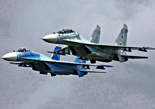 Учебные полеты летчиков истребительной авиации Южного военного округа над Чёрным морем