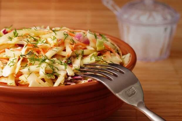 Очень вкусный фермерский салат 1770 года. Я бы сказала - выдающийся!