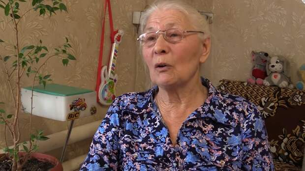 Бабушка шла к Володину, а попала в полицию. Вторую вызвали в прокуратуру. Троих провожает взвод Росгвардейцев