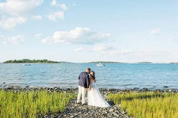 Американка выставила на продажу в TikTok свою свадьбу