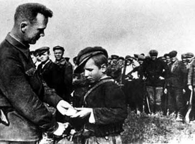 Валя Котик: тайна самого молодого Героя Советского Союза