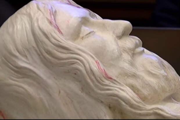 Ученые восстановили изображение плащаницы и показали как на самом деле выглядел Иисус