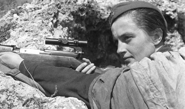 Людмила Павличенко: самый опасный снайпер Второй Мировой, которую немцы боялись как огня