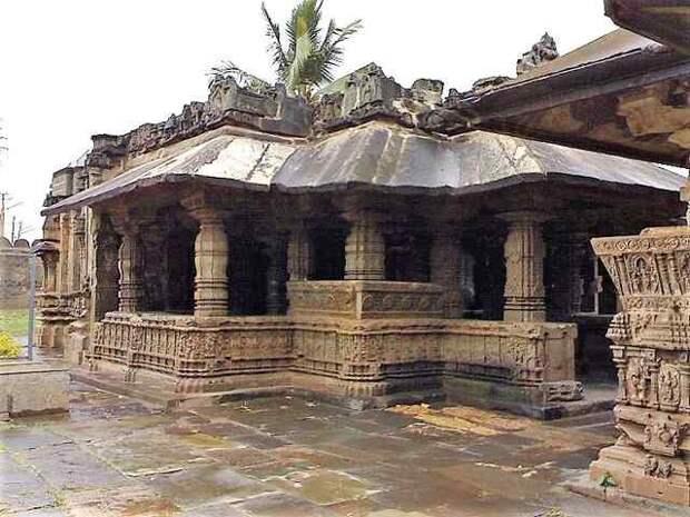 Трикутешвара