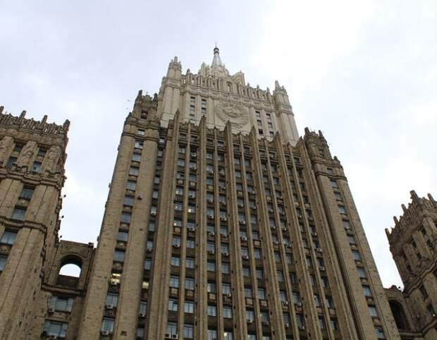 Россия объявила персоной нон грата помощника атташе по вопросам обороны посольства Румынии