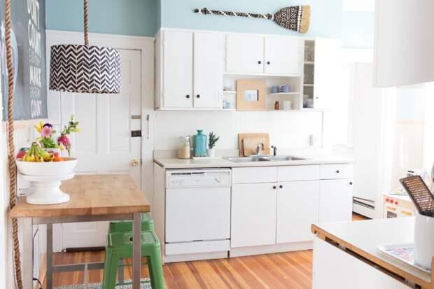 29 вещей, которые не следует хранить под раковиной в кухне
