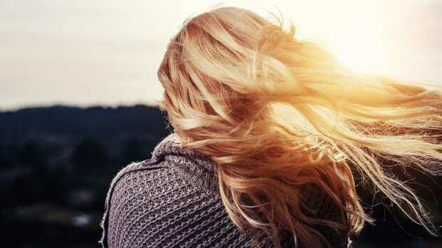 Россиянкам назвали лучшие масла для поврежденных и окрашенных волос