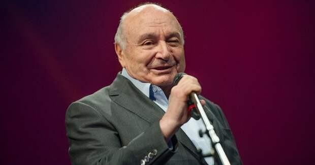 86-летний Михаил Жванецкий принял решение уйти со сцены