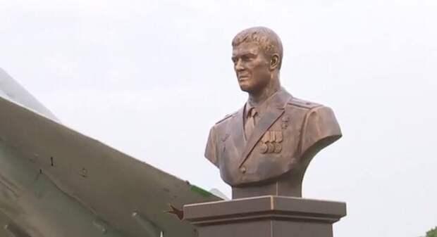 Памятник Роману Филлипову