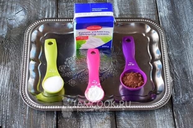 Ингредиенты для горячего шоколада из какао-порошка