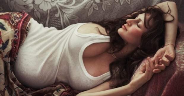 Женская чувственность в снимках гения эротической фотографии Давида Дубницкого