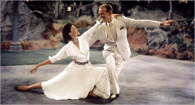 Сид Чарисс и Фред Астер - Танцы в темноте, в Центральном парке.