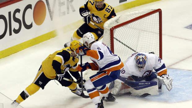 """""""Питтсбург"""" одолел """"Айлендерс"""" и сравнял счет в серии плей-офф НХЛ"""