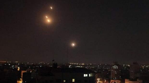 Тель-Авив накрыли десятки ракет — видео