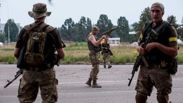 ВС Украины заявили о 15 обстрелах их позиций в Донбассе за сутки