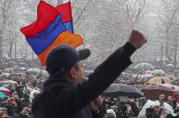 В Ереване завершилась акция протеста с требованием отставки Пашиняна