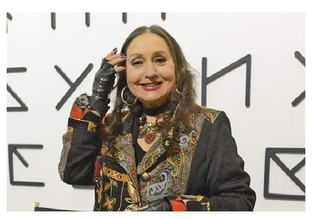 Лариса Кадочникова в 82.