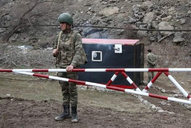 Баку поддержал предложение Москвы о демаркации границы с Арменией