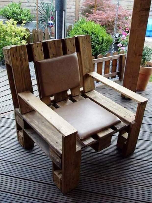 Мебель из старых поддонов поможет обновить и освежить интерьер любого помещения.