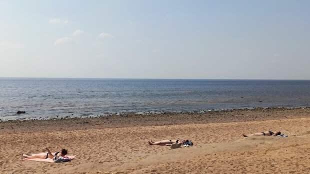 Перечислены одобренные для купания 15 пляжей Петербурга