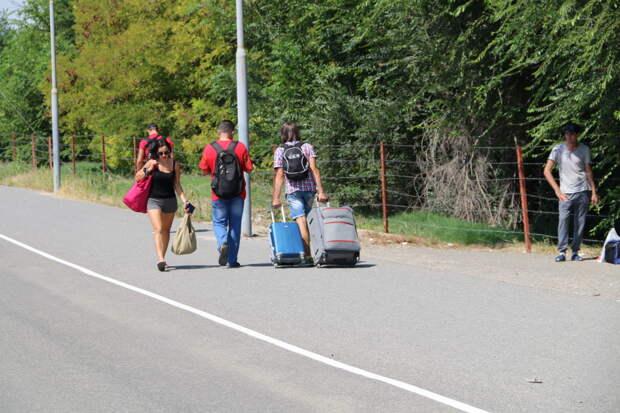Украина временно закрыла один из пунктов пропуска на границе с Крымом