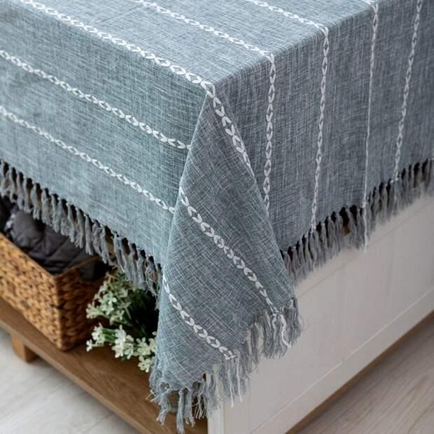 Замечательные идей использования вышивки для оформления интерьера