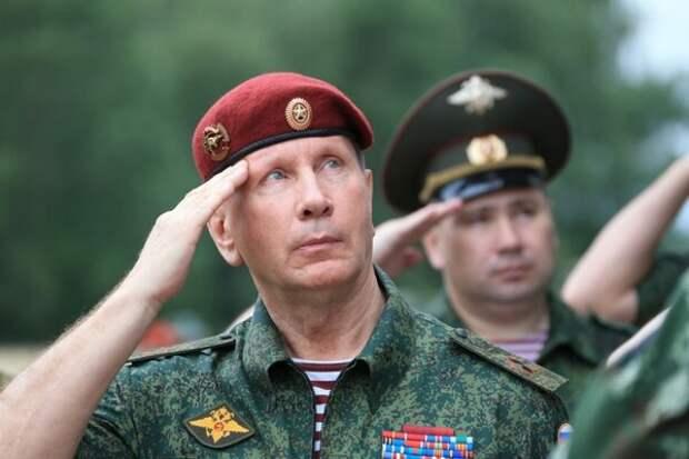 Откуда у Ельцина, Медведева и Золотова взялись краповые береты?