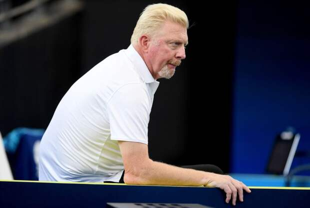 Знаменитый теннисист продаёт виллу вместе с матерью