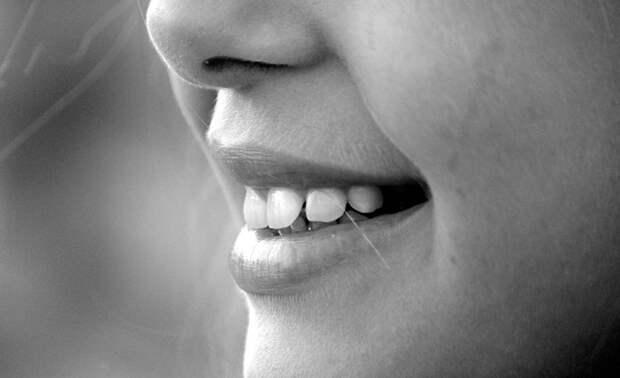 С плохими зубами, зато без кредитов?