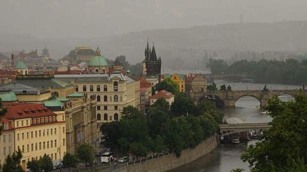 """Лавров назвал """"позорным"""" расследование Чехии о взрывах"""