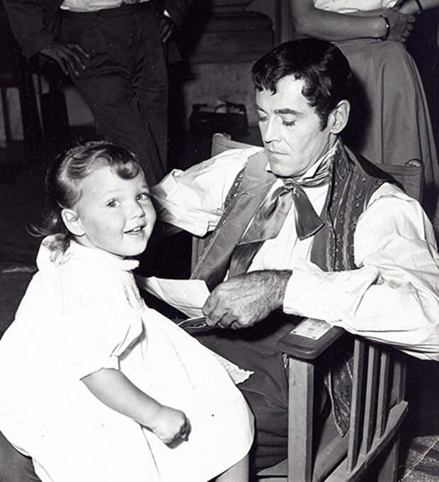 Джейн Фонда с отцом, 40-е годы XX века