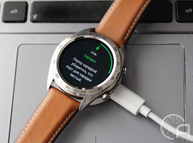 Очень Smart и крайне Useless часы