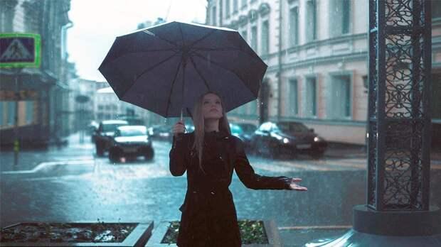 В Москве в понедельник будет жарко и дождливо