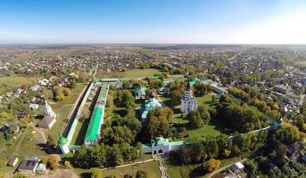 Вид на современную Александровскую слободу с воздуха.