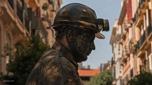 Зеленский продаст Украину с молотка: Ахметову отдали все шахты страны