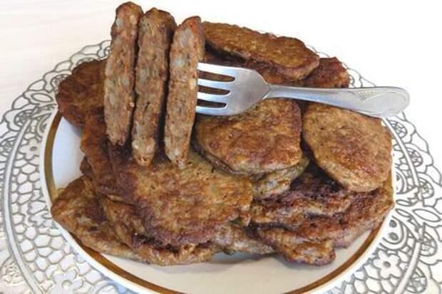 Фото к рецепту: Оладьи из печени и риса