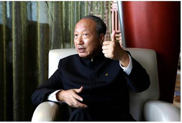 Китайскому миллиардеру запретили тратить деньги на красивую жизнь