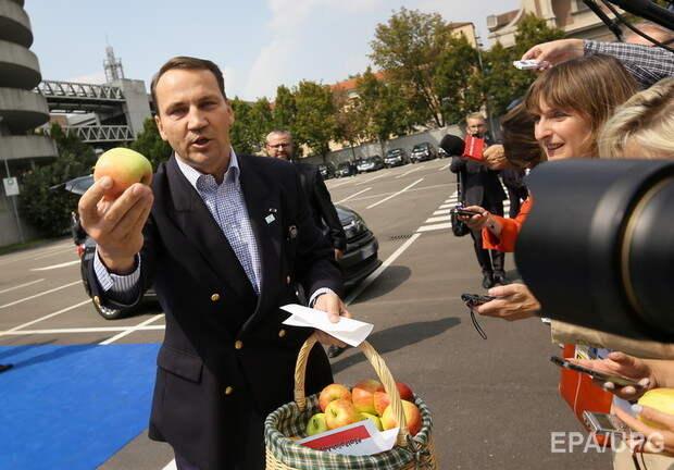 Шесть лет после запрета польских яблоки. В Польше делают вид, что нашли замену России.