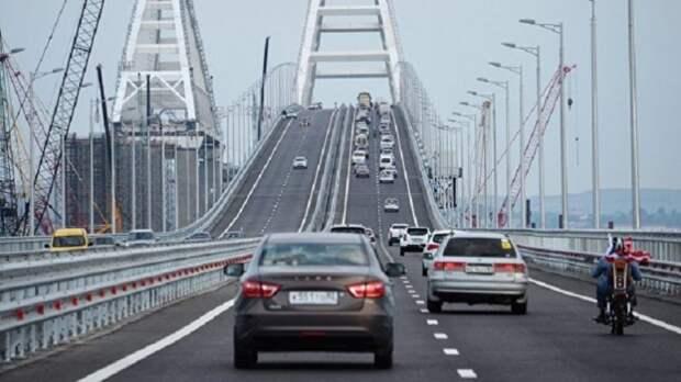 Турчинов пригрозил за минуты «снести» Крымский мост