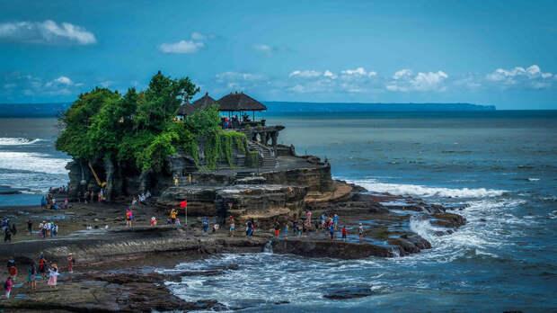 В Индонезии 11 детей утонули в реке во время школьного мероприятия