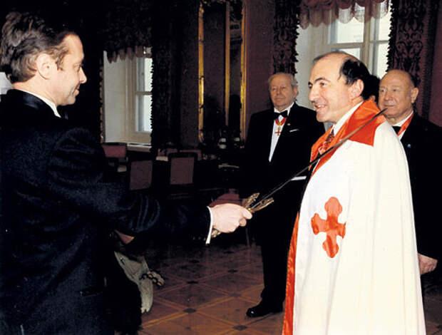 Березовский становится членом Мальтийского Ордена