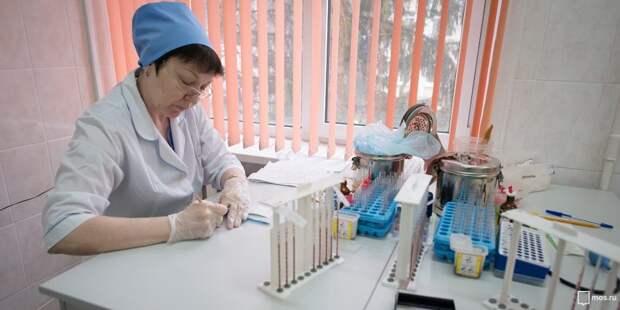 В поликлинике на Смольной пациенты ждут прием несколько часов