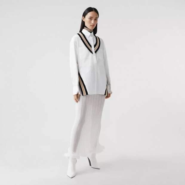 вместо модной широкой жилетки блузка барбери