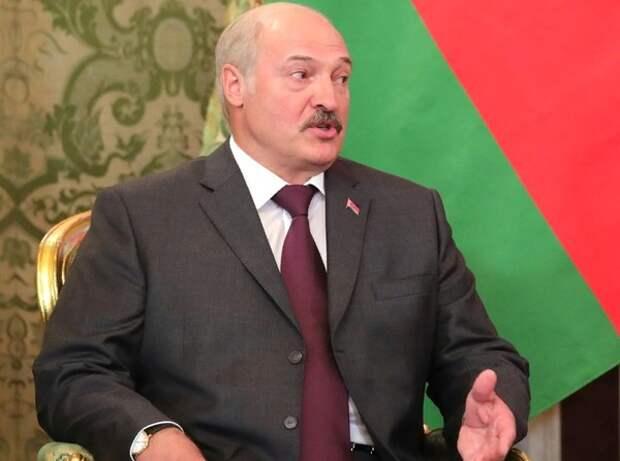 """Лукашенко заявил, что Белоруссии нужна """"своя ракета"""": """"Войну никто не отменял"""""""