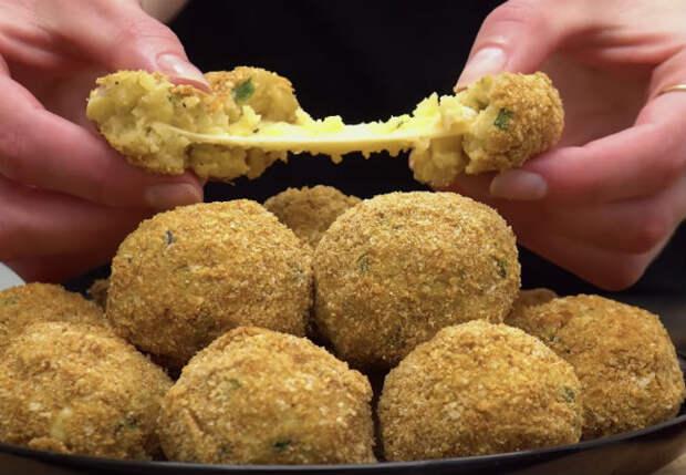 Пряная картошка с сыром внутри: делаем хрустящую закуску с корочкой