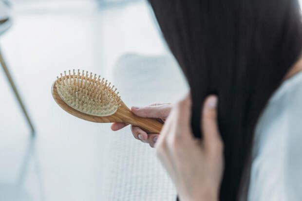 Окаких болезнях говорит выпадение волос