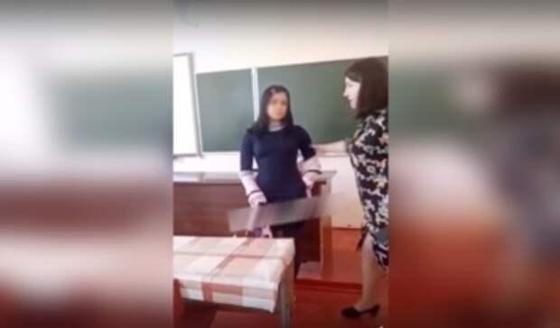 Как вРостове угрожают изнасиловать иштрафуют учителей, аони нападают нашкольников