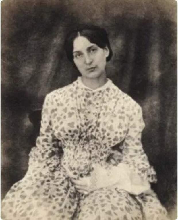 Фото: beam-truth.livejournal.com младшая дочь писателя Виктора Гюго - Адель Гюго в молодости