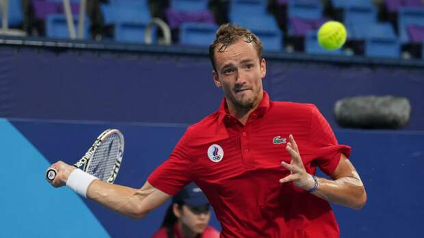 Медведев об игре Дзюбы в теннис: подаёт он хорошо
